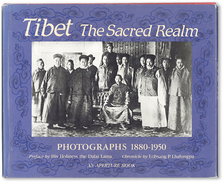Tibet the Sacred Realm: Photographs, 1880-1950. Tenzin GYATSHO, pref., His Holiness the Dalai...